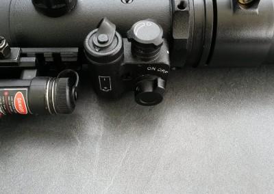 Dipol DN 34 PRO Bedienungseinheit (Batteriefach, Ein-/Aus-Schalter, Helligkeitsregler)